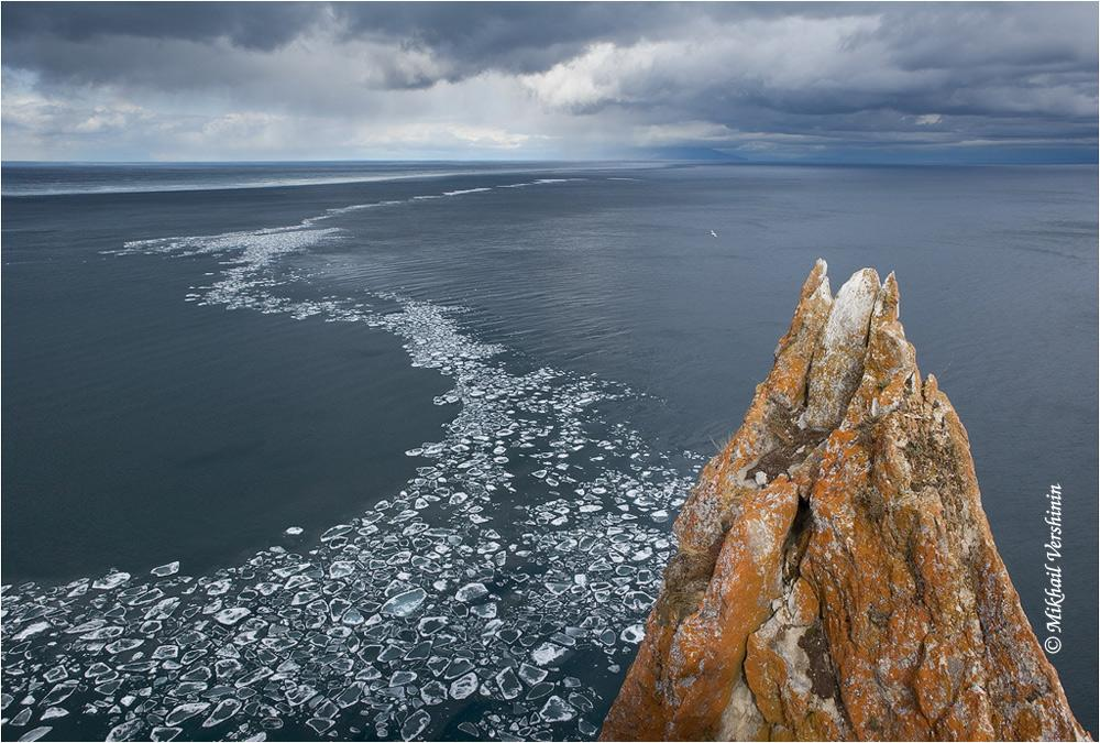 Уходящий лед Байкала